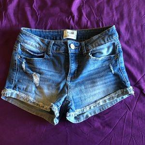 Mudd flx stretch shorts